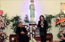 La vice-présidente Dang Thi Ngoc Thinh adresse ses vœux de Noël au diocèse de Bui Chu