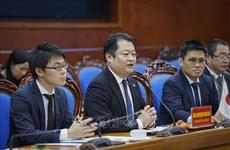 Une délégation de la préfecture d'Yamanashi (Japon) en visite de travail à Hoa Binh