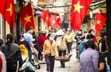 """Les Vietnamiens ressentent les """"fruits"""" de la lutte anti-épidémique"""
