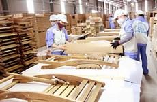 Malgré le coronavirus, les exportations de bois et de meubles augmentent