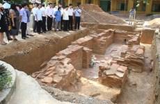 L'excavation d'une tombe ancienne révèle une histoire inconnue