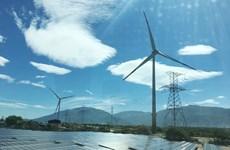 L'ambassadeur britannique fait des estimations remarquables sur l'énergie durable au Vietnam