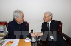 Le secrétaire général Nguyên Phu Trong rend hommage à des anciens dirigeants