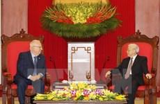 Des dirigeants vietnamiens reçoivent le président israélien