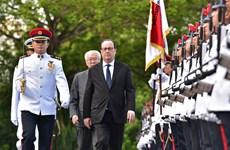 """En tournée en Asie du Sud-Est, le président français appelle à """"intensifier la relation Europe-Asie"""""""