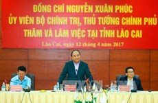 Le chef du gouvernement incite Lào Cai à développer l'économie frontalière