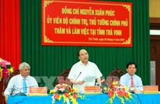 Le Premier ministre Nguyên Xuân Phuc travaille avec la province de Trà Vinh