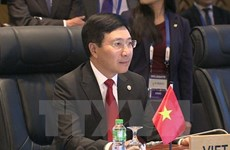Le vice-PM Pham Binh Minh rencontre ses homologues philippin, malaisien et indonésien