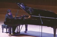 Un jeune vietnamien maître du clavier à Stockholm