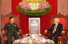Le leader du PCV et le PM reçoivent le vice-président de la Commission militaire centrale chinoise