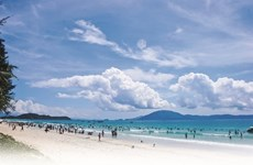 La magnifique plage de Trà Cô fait le bonheur des vacanciers