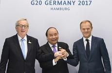 Le PM Nguyên Xuân Phuc plaide pour des relations renforcées avec l'UE et l'OMS