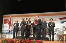 Le Vietnam veut acquérir des expériences portuaires néerlandaises