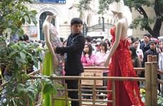 Nguyên Manh Hùng, artisan fleuriste de Hanoï et heureux de l'être