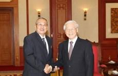 Nguyen Phu Trong reçoit des contrôleurs du Parti du peuple cambodgien
