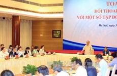 Le Premier ministre Nguyên Xuân Phuc dialogue avec le secteur privé