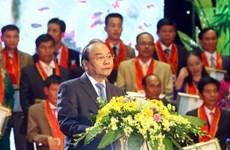 Le chef du gouvernement salue le talent, la créativité des agriculteurs vietnamiens
