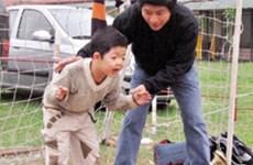 Offrir une vie normale pour son fils : le rêve d'un père