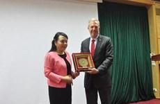 La ministre de la Santé Nguyên Thi Kim Tiên reçoit l'ambassadeur des États-Unis au Vietnam