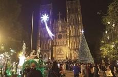 La magie de Noël s'empare de la capitale vietnamienne