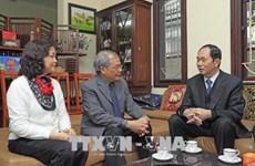 Le président présente ses vœux aux intellectuels exemplaires de Hanoi