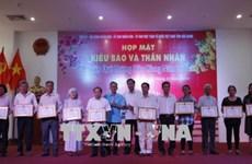 Les autorités de Hâu Giang et Soc Trang rencontrent les Viêt kiêu