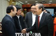 Deux vice-Premiers ministres rencontrent des médecins à Hanoi