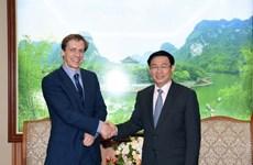 Le vice-PM Vuong Dinh Hue reçoit le directeur de la région Asie-Pacifique du FEM