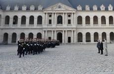 Cérémonie d'accueil du leader du PCV Nguyên Phu Trong en visite officielle en France