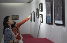 Quatorze peintres européens tiennent leur salon à Dà Nang