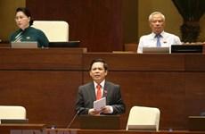 Le ministre des Communications et des Transports répond aux députés