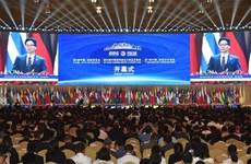 Le vice-PM Vu Duc Dam assiste au 5e Salon Chine-Asie du Sud