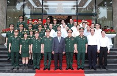 Le Premier ministre Nguyen Xuan Phuc salue les réalisations de Viettel