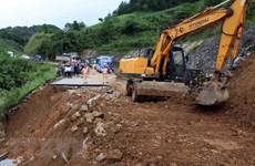 Crues : le vice-Premier ministre Trinh Dinh Dung se rend à Lai Chau