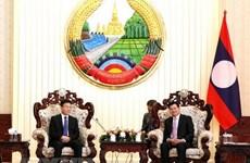 Des dirigeants laotiens saluent les relations juridiques Vietnam-Laos