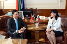Poursuite des activités du vice-PM et ministre des AE Pham Binh Minh en Bulgarie