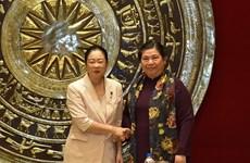 Une délégation de femmes parlementaires du Parti libéral démocrate du Japon au Vietnam