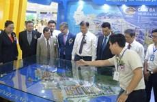 Foire du commerce et de l'investissement autour du corridor économique Est-Ouest à Da Nang