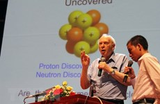 Le Prix Nobel de physique 1990 invite à explorer l'Univers et la matière