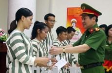 34 prisonniers sortent en liberté conditionnelle à Hanoi