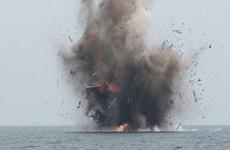 L'Indonésie coule plus de 100 bateaux de pêche étrangers illégaux