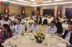 Rencontre avec une centaine d'intellectuels Viet kieu à Hô Chi Minh-Ville