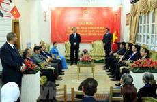 Le président Tran Dai Quang visite l'ambassade du Vietnam en Egypte