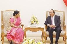 Le Premier ministre Nguyen Xuan Phuc reçoit la ministre indienne des Affaires étrangères
