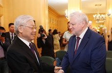 Le secrétaire général du PCV reçoit le président du parti Russie juste