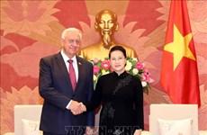 La présidente de l'Assemblée nationale reçoit le président du Sénat biélorusse