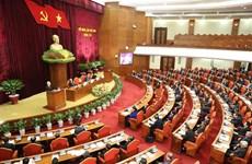 Le 8e Plénum débat du développement socio-économique et de l'édification du PCV