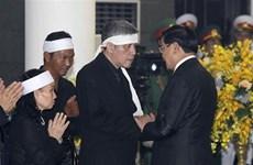 Les délégations étrangères rendent hommage à l'ancien chef du PCV Dô Muoi