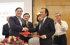 Relier les milieux d'affaires vietnamiens à l'étranger aux entreprises domestiques