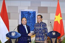 Le voyage en Indonésie du PM Nguyên Xuân Phuc obtient des résultats importants